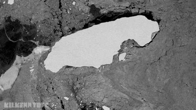 ภูเขาน้ำแข็ง ที่ใหญ่ที่สุดในโลกหรือที่เรียกว่า A68a กำลังตกอยู่ในดินแดนโพ้นทะเลของอังกฤษในจอร์เจียใต้ ยักษ์น้ำแข็งแอนตาร์กติกมี