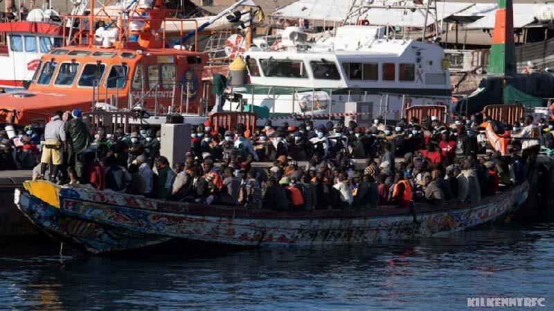 หมู่เกาะคานารี พบผู้อพยพ 1,600 คน หน่วยบริการฉุกเฉินของสเปนกล่าวว่าผู้อพยพชาวแอฟริกันมากกว่า 1,600 คนได้รับการช่วยเหลือในทะเล